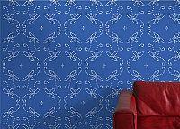 טפט בסגנון וינטאג' רומנטי לבן על רקע כחול
