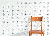 טפט כוכב, לב, פרח גוון כחול על רקע לבן
